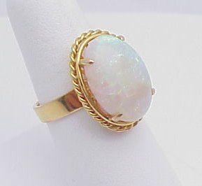 2008: Opal Ring 18kt yellow gold