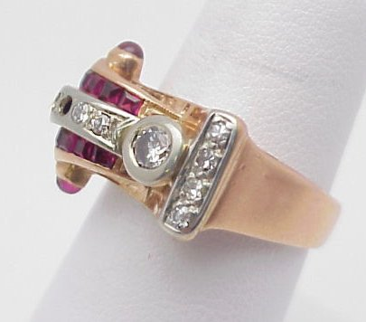 24: 10 kt Retro Diamond & Ruby Ring
