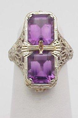 4020: 14kt Vintage Style Amethyst Ring