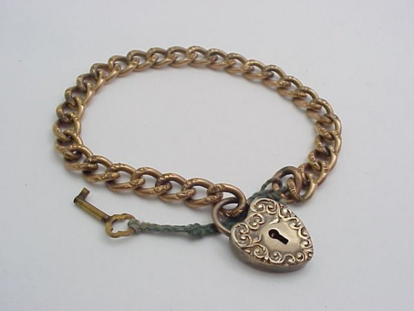 16: Gold filled Victorian Heart Bracelet