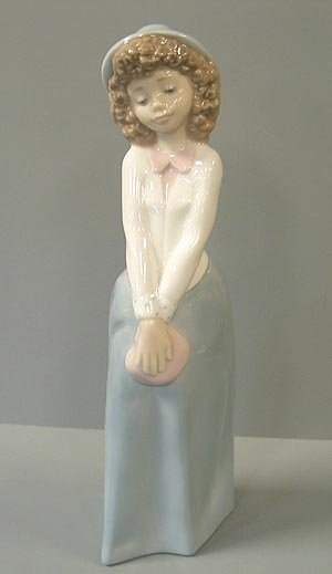 18: Nao young bashful girl figurine 1990