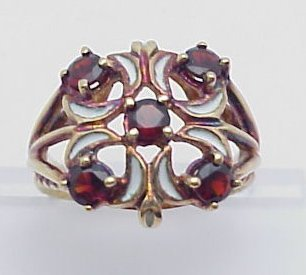 24: Garnet & White Enamel Cocktail Ring