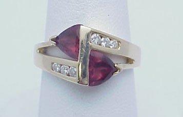 15: Rhodolite Garnet & Diamond Ring 14kt