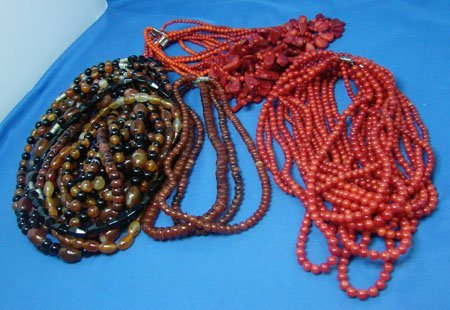 18: Lot of 34 beaded necklaces