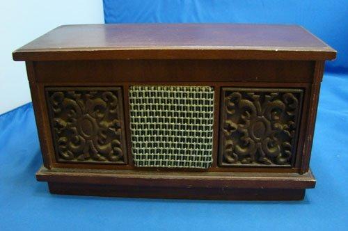 1: Vintage Ross Radio w/lighter