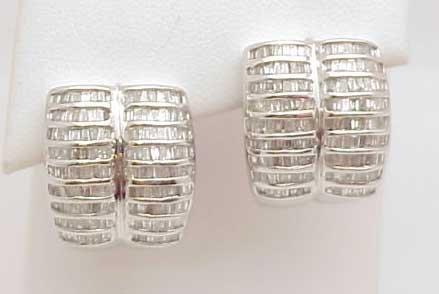 9: 14kwg 2ctw baguette diamond earrings