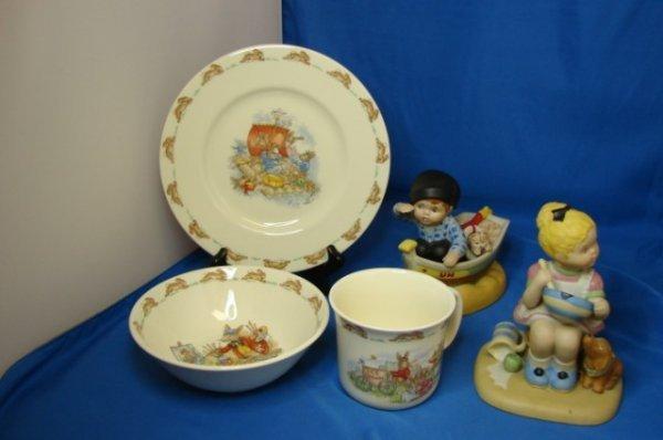 7: Beatrix Potter Child's Dishes & 2 UN children