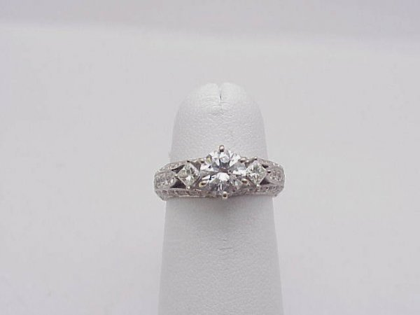 17: 18kwg diamond engagement ring 1.75twt