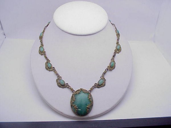 4: Vintage cryptocrystalline quartz necklace
