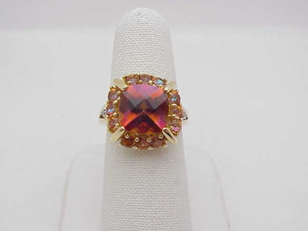 10: Lady's 14kyg pink mystic topaz ring