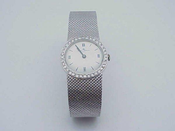 16: Lady's 18kwg Baume Mercier diamond watch