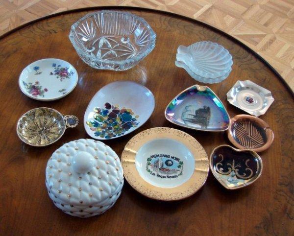 15: 10 Porcelain Ashtrays, bowls, boxes, etc.
