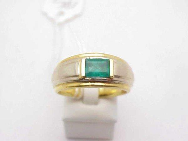 11: Man's 18kyg emerald ring 1ct