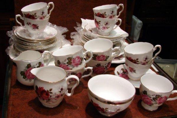13: Royal Grafton Tea Sets Pink Roses & Honey Bunch