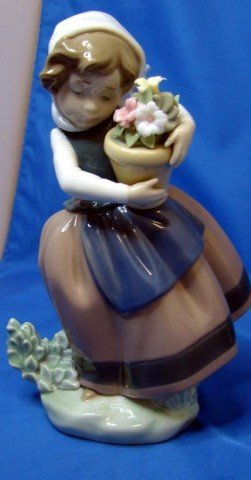 18: Lladro Figurine Spring Is Here #5223