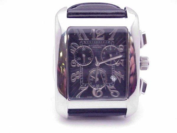 19: Man's Stuhrling chronograph watch