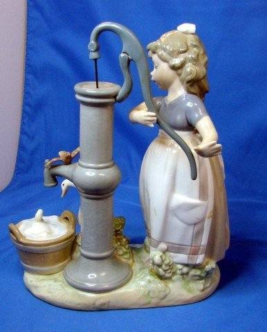 287: Lladro Little Girl Pumping Water for Ducks - 3
