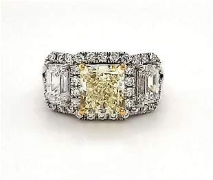 18kt white gold fancy yellow diamond ring