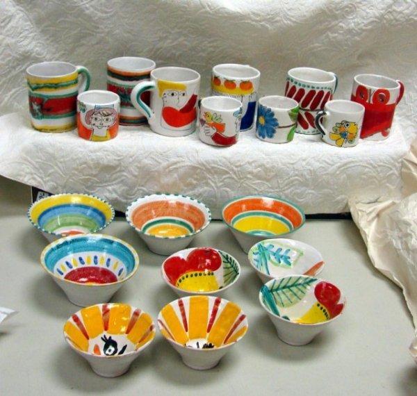 100: 19 pcs. DeSimone Pottery Cups & Bowls