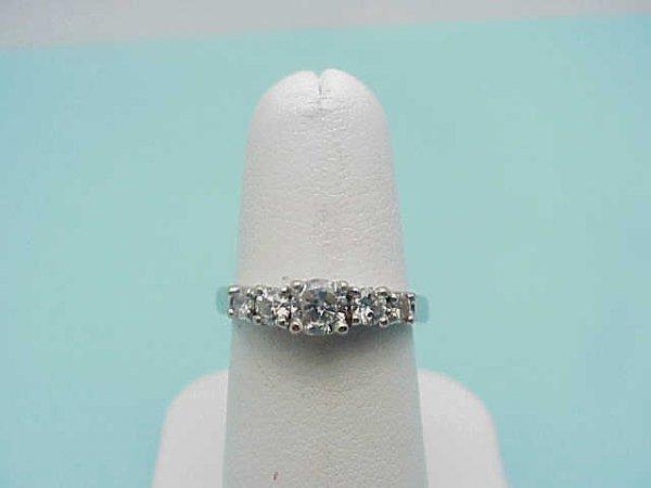 4: Lady's 14kwg diamond ring 1ctw
