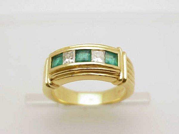 20: 18yg emerald/diamond band