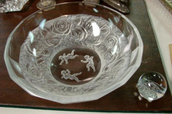 19: Lalique Paperweight & Lalique-look Frosted Bowl
