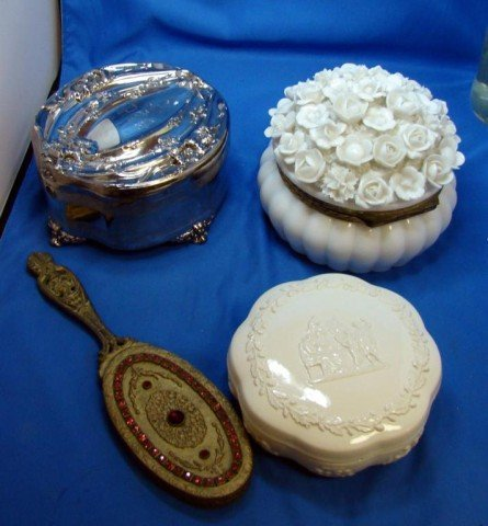 24: Vintage Dresser boxes incl. Wedgwood + mirror