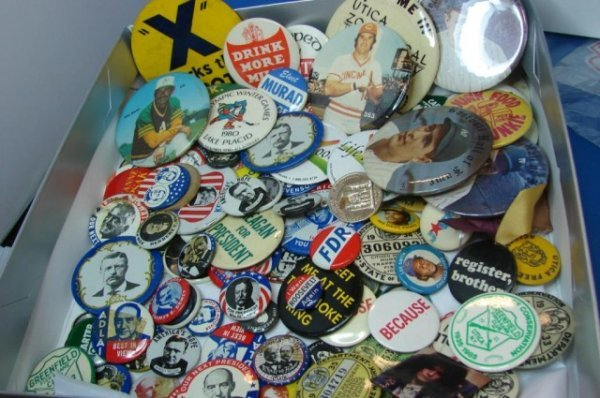 2: Large Lot of Buttons - Political, Sports ++