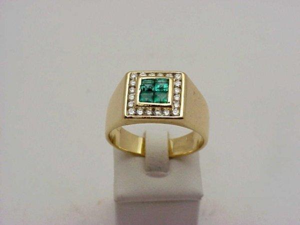 24: Man's 14kyg emerald/diamond ring