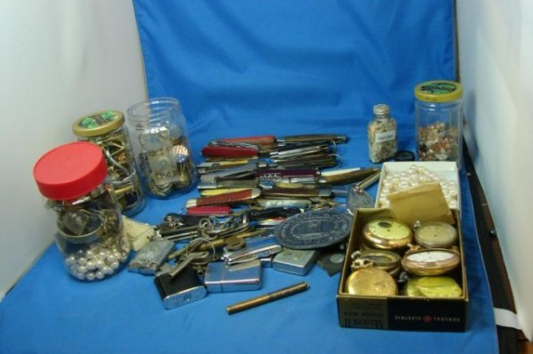1: Huge Vintage Lot: Pocket Knives, watches, lighter+