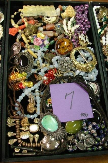 7: Lot of vintage pins, turquoise agate jewelry