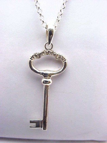 "19: Sterling ""Keys to my heart"" pendant w/chain"