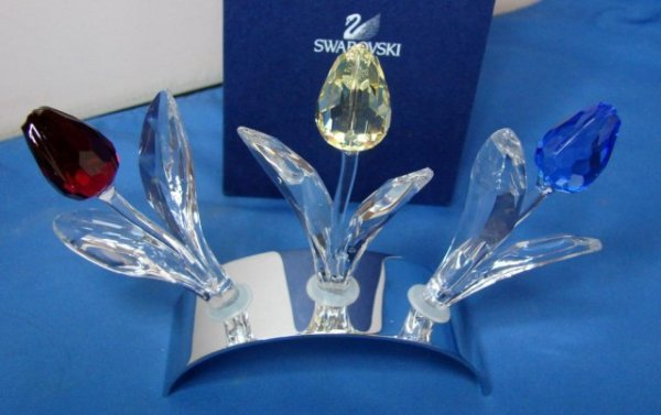 13A: 3 Swarovski Flowers with Stand - Blue, Red, Yellow