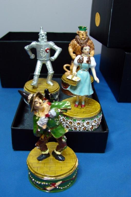 3: 4 Wizard of Oz Boxes: Dorothy, Lion, Tin Man, Scar