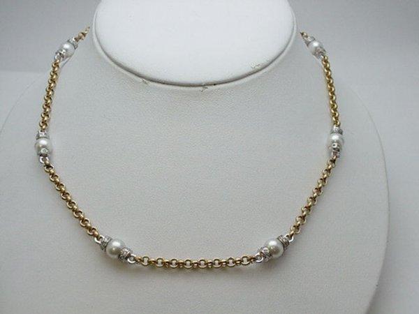 21: Lady's 18kyg pearl/diamond necklace