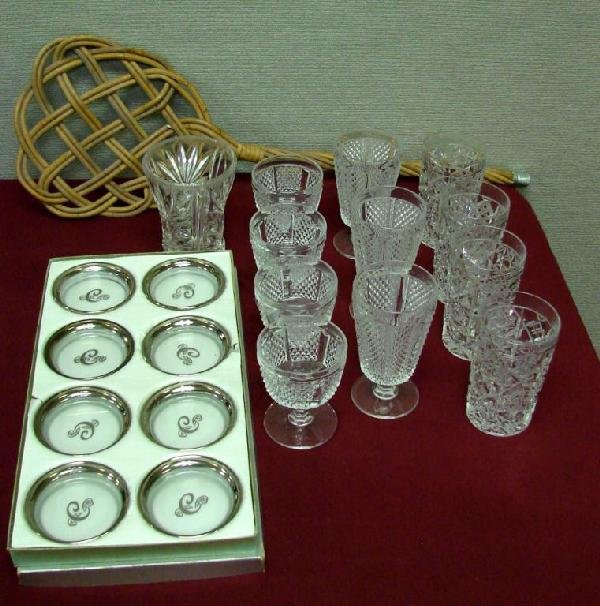 18: 11 Crystal Glasses, Pressed Glass Vase & Rug Beate