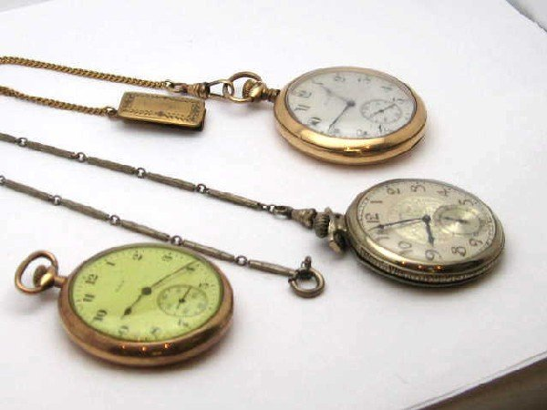 4: Lot of 3 Elgin pocket watches