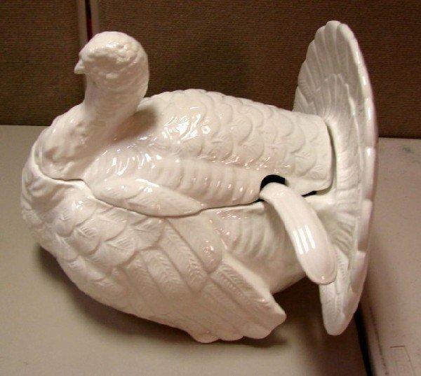 20A: Large White Porcelain Soup Tureen w/ladle