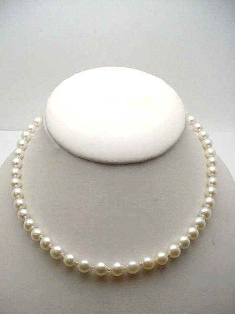 "6: 16"" strand of 7mm cultured pearl necklace"