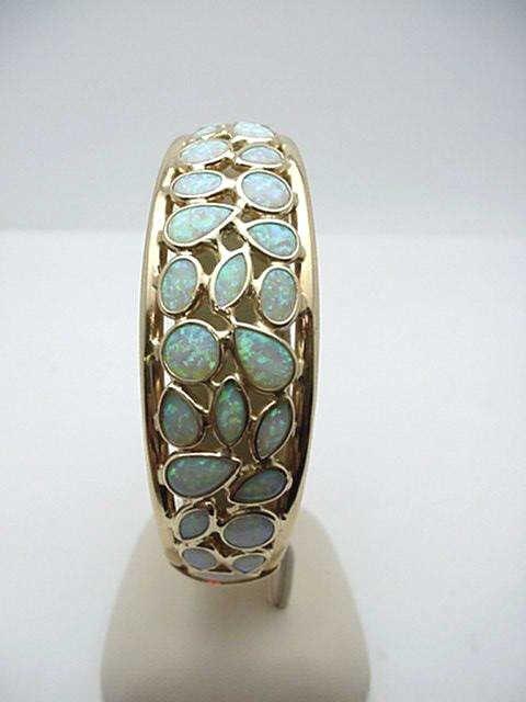 16: 14kyg opal cuff bracelet