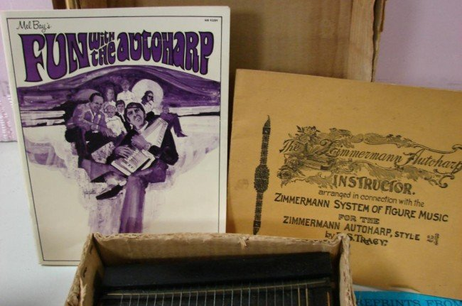 220: Oscar Smith Vintage Autoharp with Instruction Book - 3