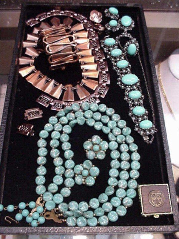 300: Lot of costume jewelry Renoir
