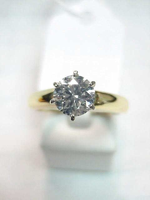 20A: Lady's 1.50ct diamond engagement ring