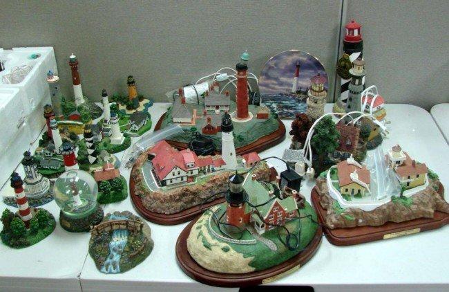 1: 19 Danbury Mint Lighthouses + snow globe & plate