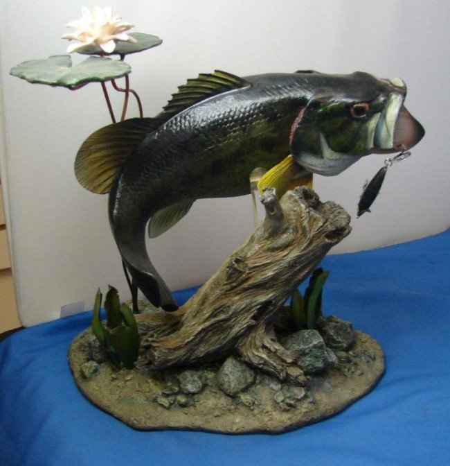 5: Danbury Mint Backwater Bass Figurine