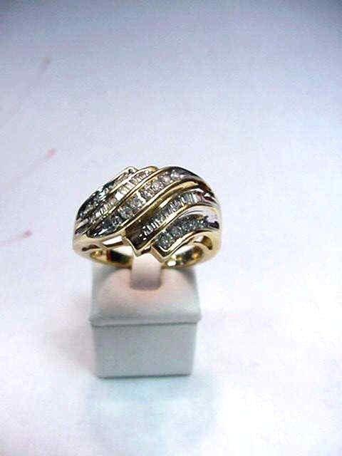 5A: Diamonds fashion ring in 10kyg