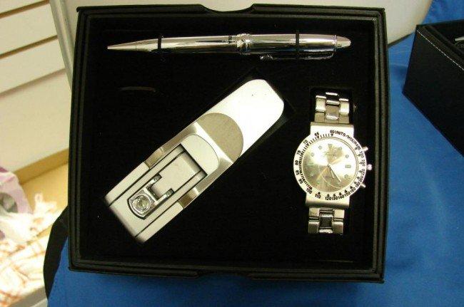1A: Fondini Watch, Pen & Clip Light Set, NIB