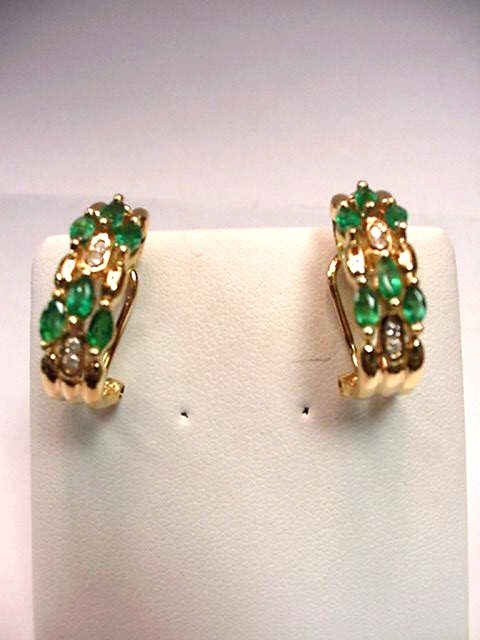 15: 14kyg emerald & diamond earrings
