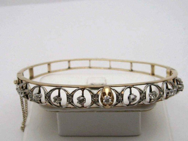 8A: Vintage 14kyg diamond bangle 1ctw