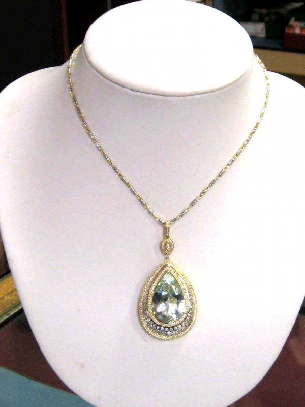 149A: 14k 2tone aquamarine & diamond necklace 44ct